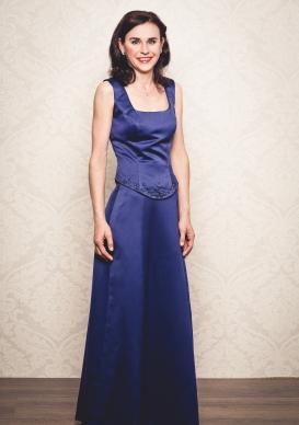 Abend Make-Up, Glamour Look, dunkelblaue Robe