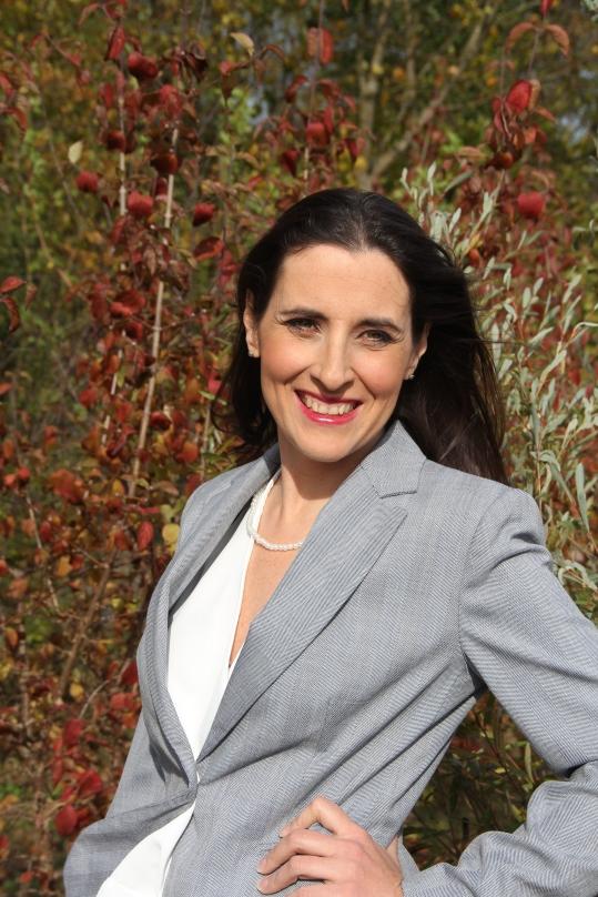Vorher/Nachher Umstling Monika, outdoor, Business Look